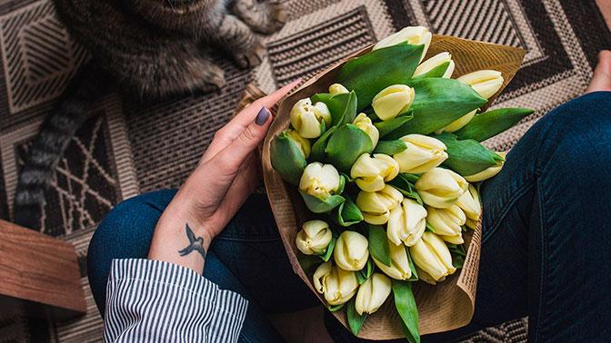 В Госдуме предложили зафиксировать цены на цветы