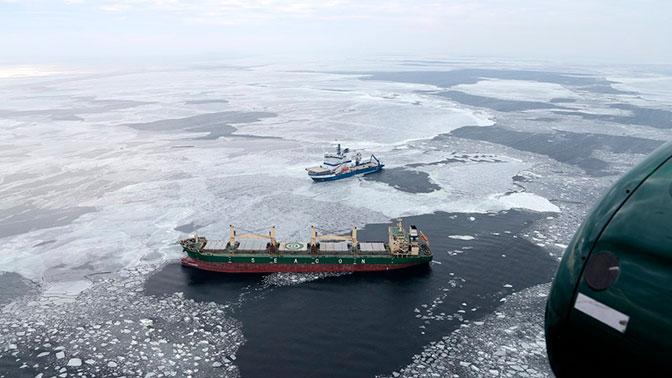 Сухогруз, направляющийся в Петербург, терпит бедствие в Финском заливе