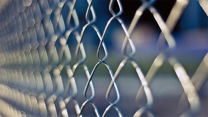 Польша собралась построить забор на границе с Россией