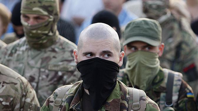 Выгнали людей и повесили флаги: в ЛНР рассказали о бесчинствах «Правого сектора»* в Донбассе