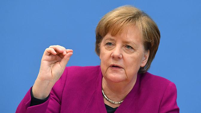 Меркель рассказала, как возила пиво для Путина