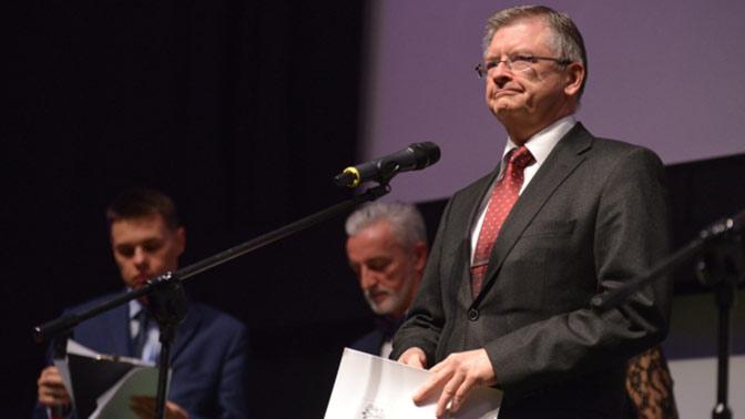 Польша приняла решение выслать изстраны русских  дипломатов