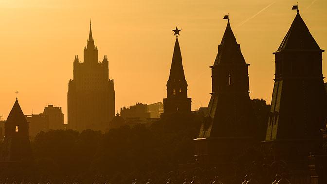 МИД РФ пообещал жесткий ответ навысылку дипломатов изсоедененных штатов
