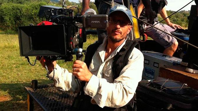 Жираф убил кинорежиссера вовремя съемок фильма