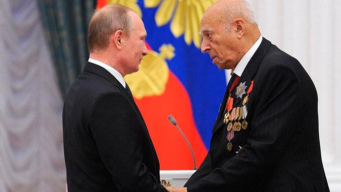 Президент поздравил Владимира Этуша с95-летием