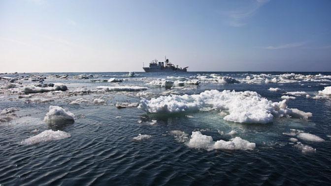 Работники МЧС сняли 16 рыбаков сольдин вОхотском море