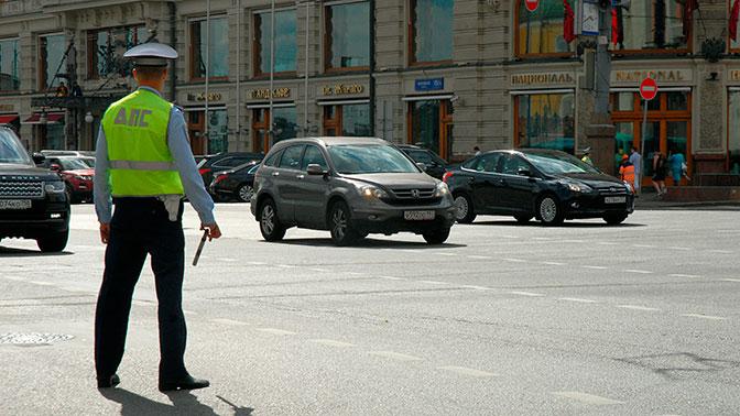 В столицеРФ сотрудникам ГИБДД возвратят стеклянные кабины— Они возвращаются