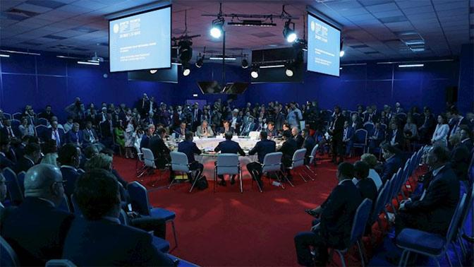 Новая экономика, образование и продолжительность жизни: в Петербурге стартует второй день работы ПМЭФ-2018
