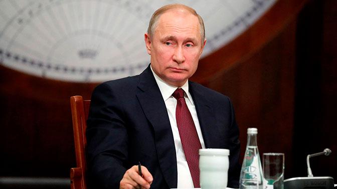 Путин подписал закон оконтрсанкциях против США инедружественных стран