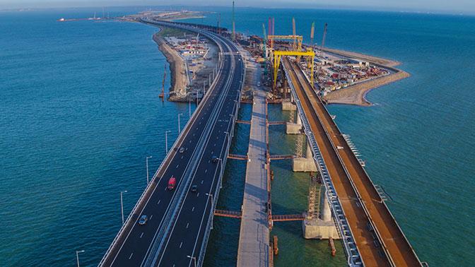 Путин: Проезд поКрымскому мосту будет бесплатным
