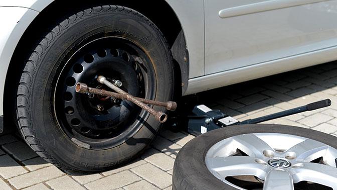 Автоэксперт назвал главные преимущества изношенных шин