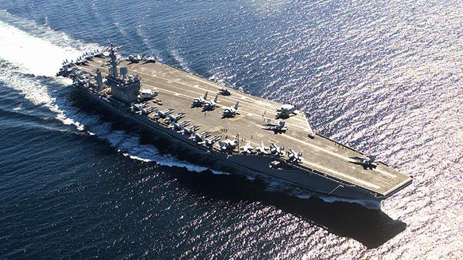 Уязвимые и громоздкие: американские СМИ обеспокоились беззащитностью авианосцев ВМС США на Балтике