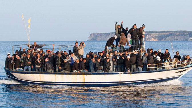 В Италии запретили помогать тонущим беженцам