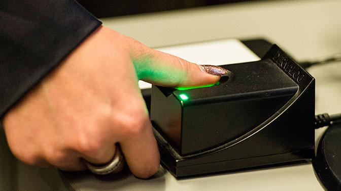 Российские банки с 1 июля начнут сбор биометрических данных клиентов
