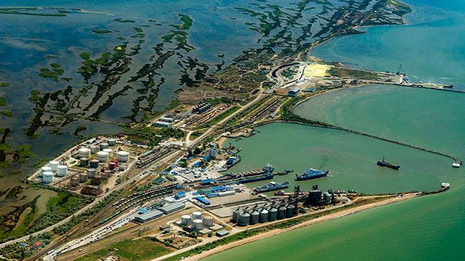 Киев покусился на российские порты в Черном море