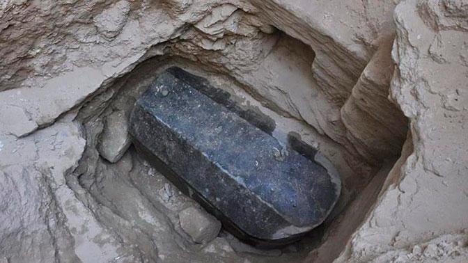 Ученые приступили к вскрытию загадочного саркофага, найденного в Египте
