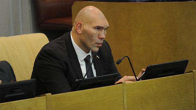 «Убогий финт» - Валуев о попытке Порошенко политизировать победу Усика
