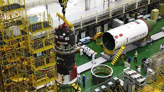 Хранящиеся на Байконуре космические корабли проверяют на наличие отверстий - СМИ