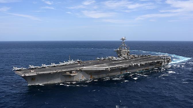 Американские СМИ уличили авианосцы ВМС США в небоеспособности