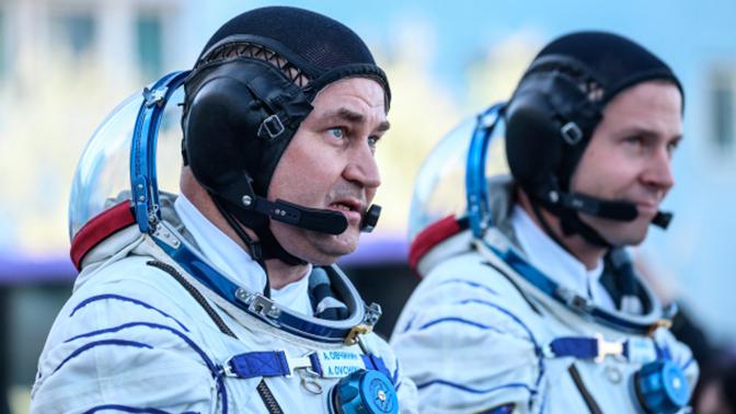 Космонавты покинули спасательную капсулу «Союза»