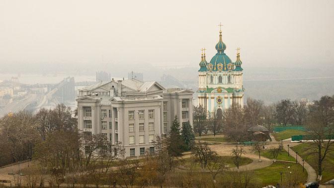 Символический жест: Порошенко намерен передать Константинополю Андреевскую церковь в Киеве
