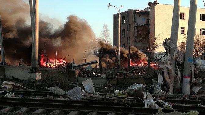 На дорогу полетели камни: очевидец взрыва в Гатчине рассказал о первых минутах после ЧП