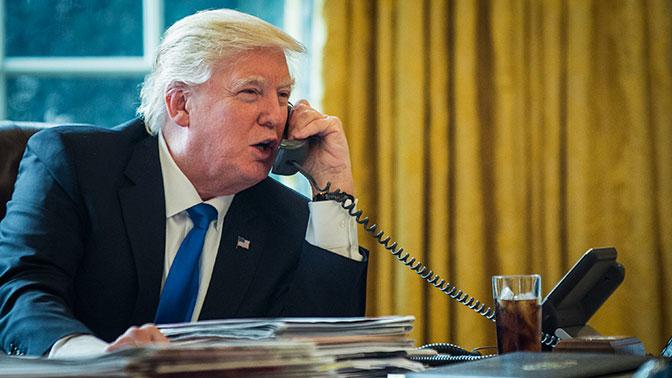 В Белом доме опровергли информацию о прослушке российскими спецслужбами телефона Трампа