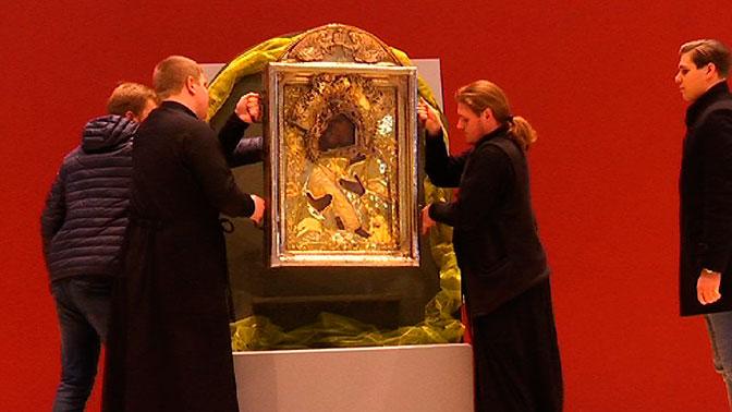 Ко Дню народного единства в Москву прибыла икона XVI века «Умиление»