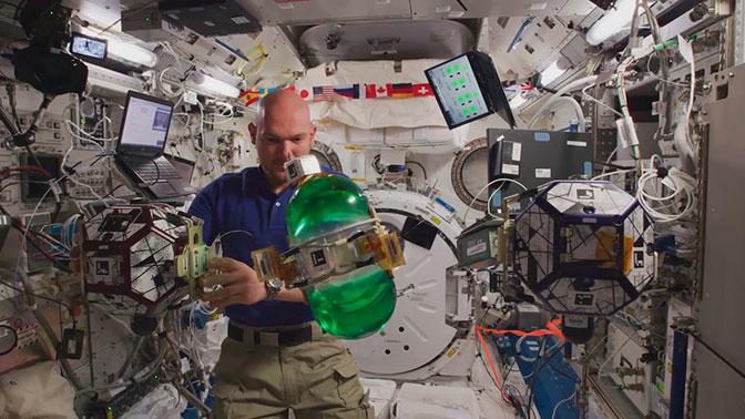 На МКС сняли первое в космосе