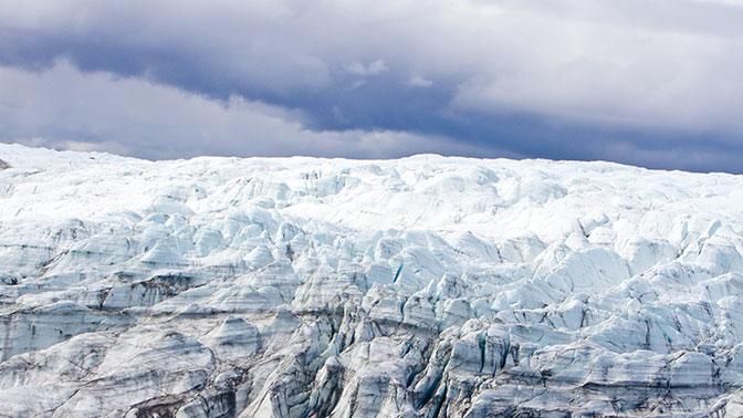 Во льду Гренландии обнаружен гигантский кратер от метеорита