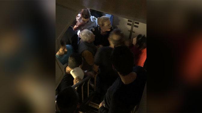 Самолет совершил экстренную посадку вГреции из-за иудеев-ортодоксов