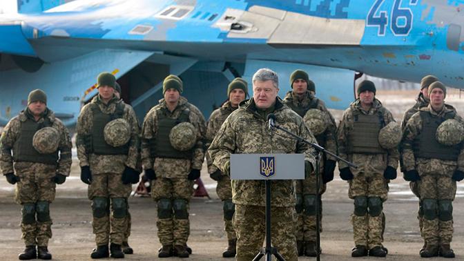 В Киеве сообщили о наращивании военных группировок на границе с РФ