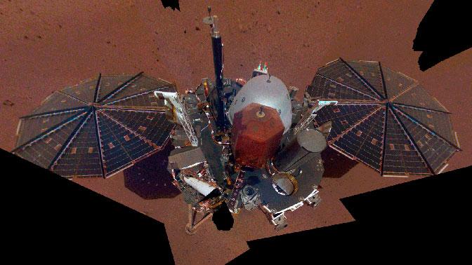 Селфи с Марса: зонд InSight сфотографировал себя на Красной планете