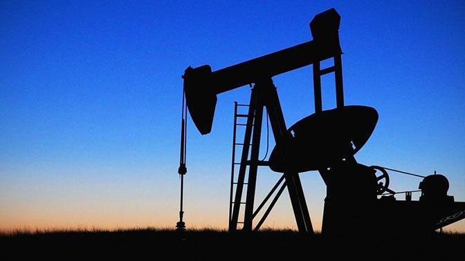 Стоимость нефти Brent упала ниже 57 долларов впервые с октября 2017 года