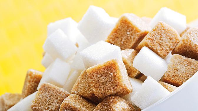 Названа необычная опасность сахара