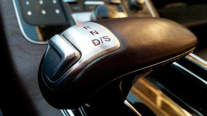 Названы самые популярные у россиян автомобили с «автоматом»