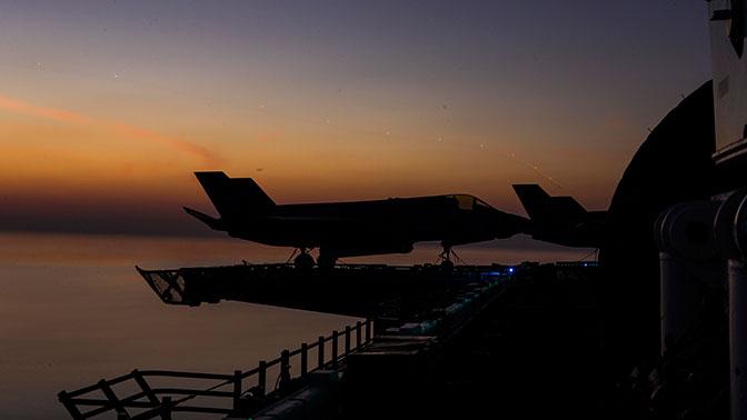 Временный глава Пентагона нецензурно обругал истребитель F-35