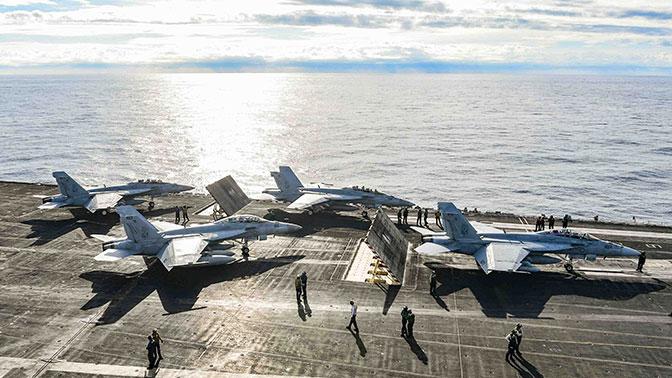 США отправят военные корабли в Арктику