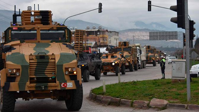 Турция начала переброску военной техники к сирийской границе