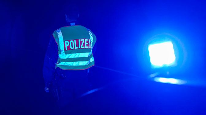 В Германии беженец напал с ножом на беременную женщину: ребенок погиб