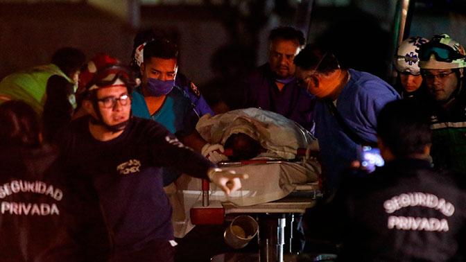 Число жертв мощного взрыва на трубопроводе в Мексике возросло до 70 человек