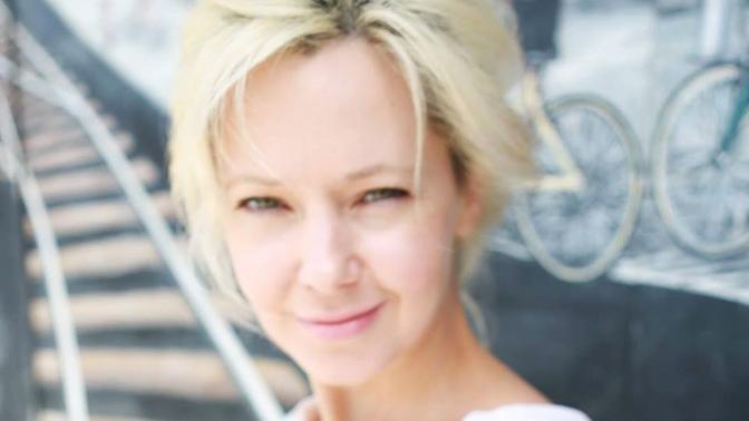 В Театре на Таганке раскрыли возможную причину задержания актрисы Ирины Усок в США