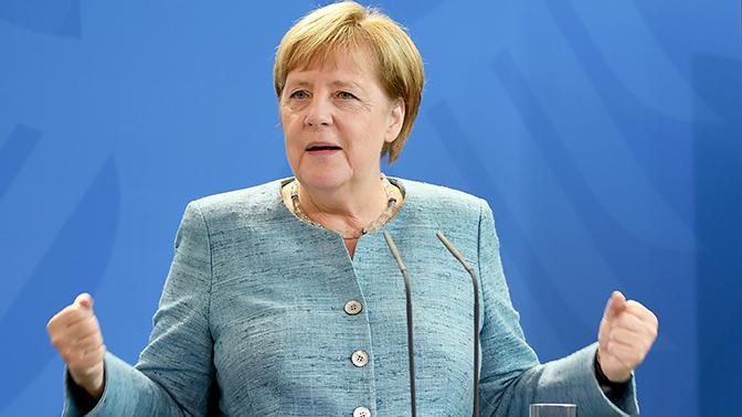 Меркель решила удалить свою страницу в Facebook