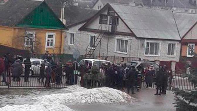 В Белоруссии школьник набросился с ножом на одноклассников