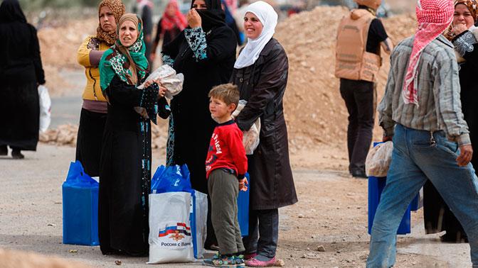 Российские военные провели гуманитарную акцию в сирийской провинции Деръа