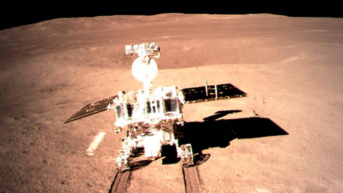 Китайский аппарат и луноход «уснули» на обратной стороне Луны