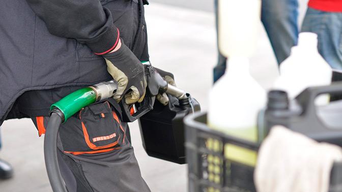 В России предсказали переизбыток бензина