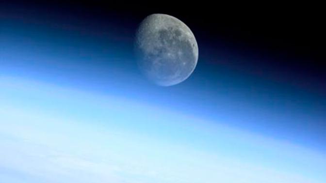 Названы сроки отправления к Луне российского аппарата
