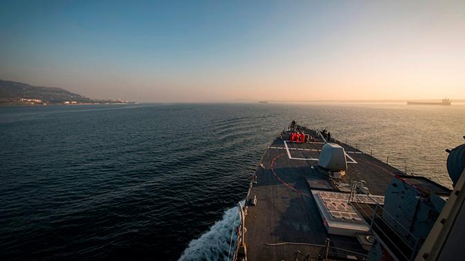 Опубликованы кадры захода эсминца США в Черное море
