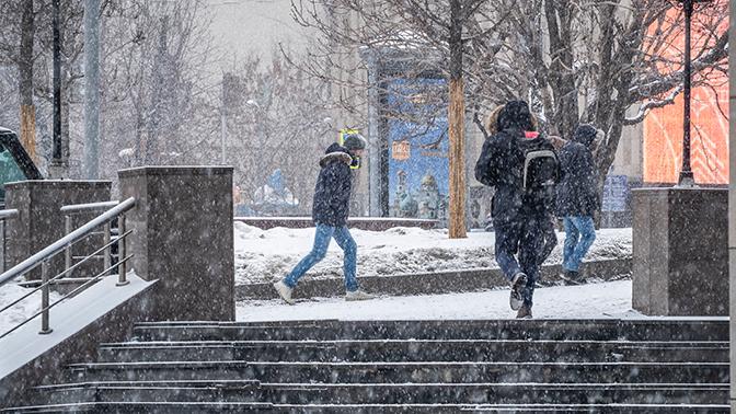 Снежный буран надвигается на Москву